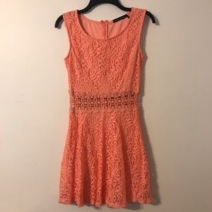Dresses & Skirts - Peach Spring dress